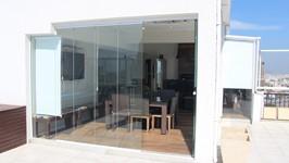 Lounge refrigerado com fechamento de vidro