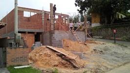 construção garagem e 1º piso