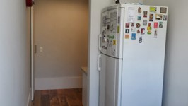 geladeira na área de serviço