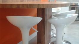 espaço para 4 pessoas na mesa