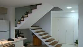 escada para 2º piso
