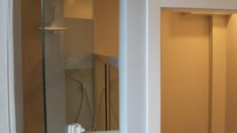 janela pivotante do banheiro