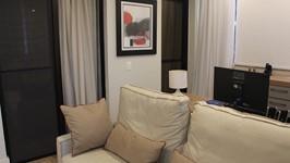 grande e confortável sofá para o family room