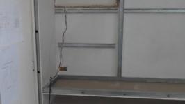 prateleira bar sendo construída
