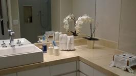 banheiro suíte casal 01