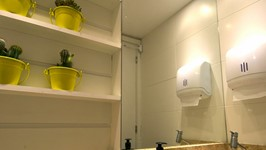 Banheiro aberto aos clientes 2