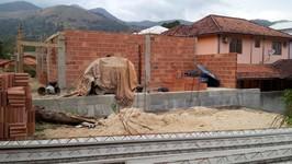 lateral da construção