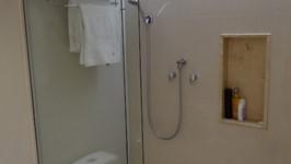 banheiro suíte casal 04