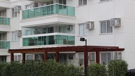 [Varanda 2º Andar] - Esse é mais um apartamento delicioso de projetar para casal com filho adolescente. Num condomínio novinho e super tranquilo, o apartamento de 3 quartos com varanda, pedia que o clima fosse confortável e relaxante.