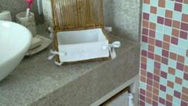banheiro moça 01