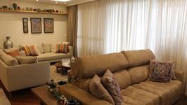 sofá para a área da TV