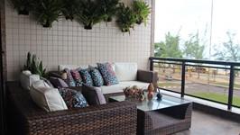 varanda com mobiliário para exteriores